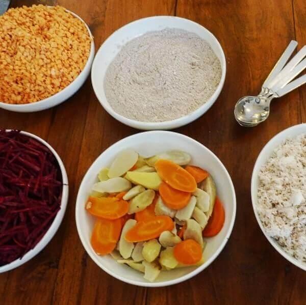 Ayurveda bei Marion Voigt: Schüsseln mit gesunden Lebensmitteln